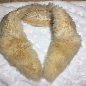 Accessories - Real fur collar shawl